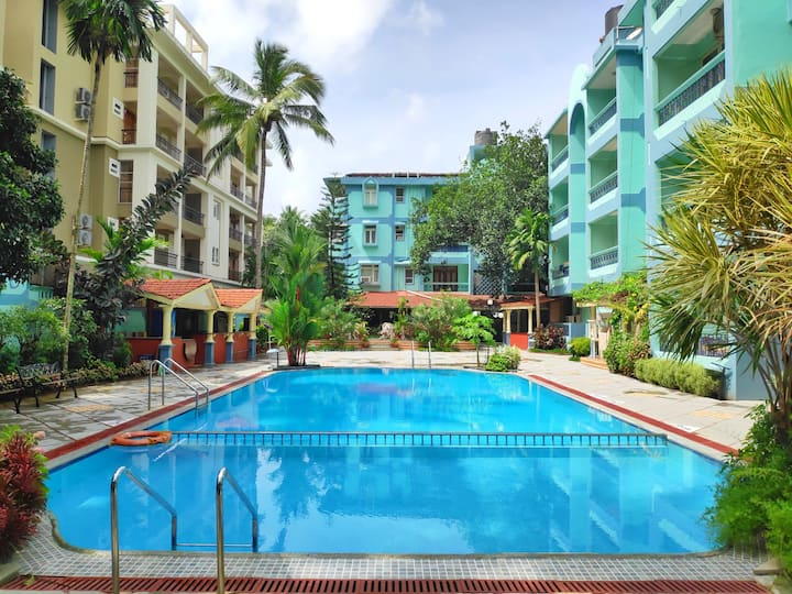 AC Apartment with Pool near Calangute Beach