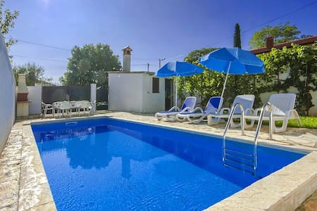 Casa Ana Milena near Porec with swimming pool - Žbandaj - House
