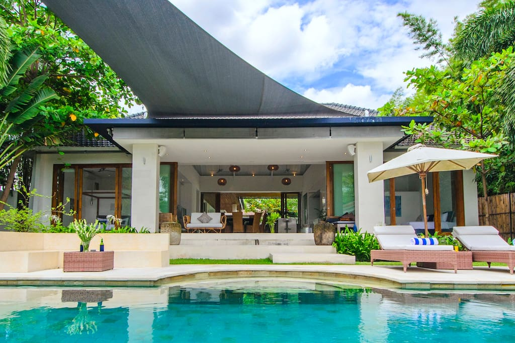 Splendid 430 sq meters main villa with two gardens and all equipment you need.