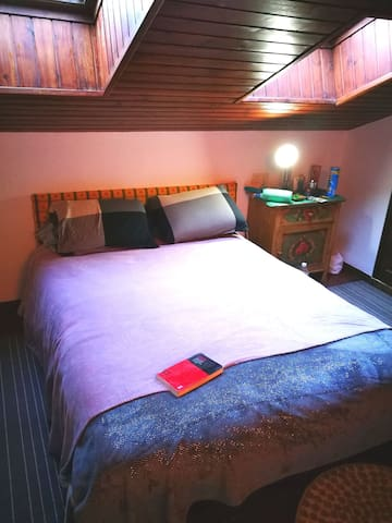 Habitación privada Doble/ Twin. Cerca del Funicamp
