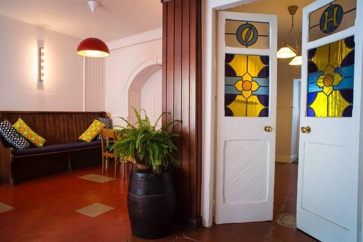 O'Herlihys, Kinsale Town Guesthouse - คินเซล - ที่พักพร้อมอาหารเช้า