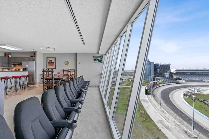 You'll love the condo at the Texas Motor Speedway!