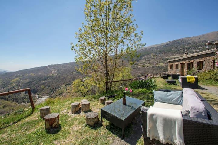 Apartamento rural en el pueblo más alto de España
