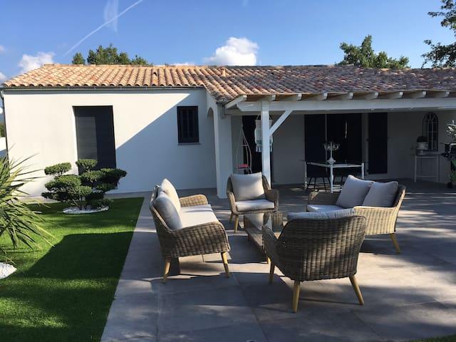 Villa indépendante avec piscine privée