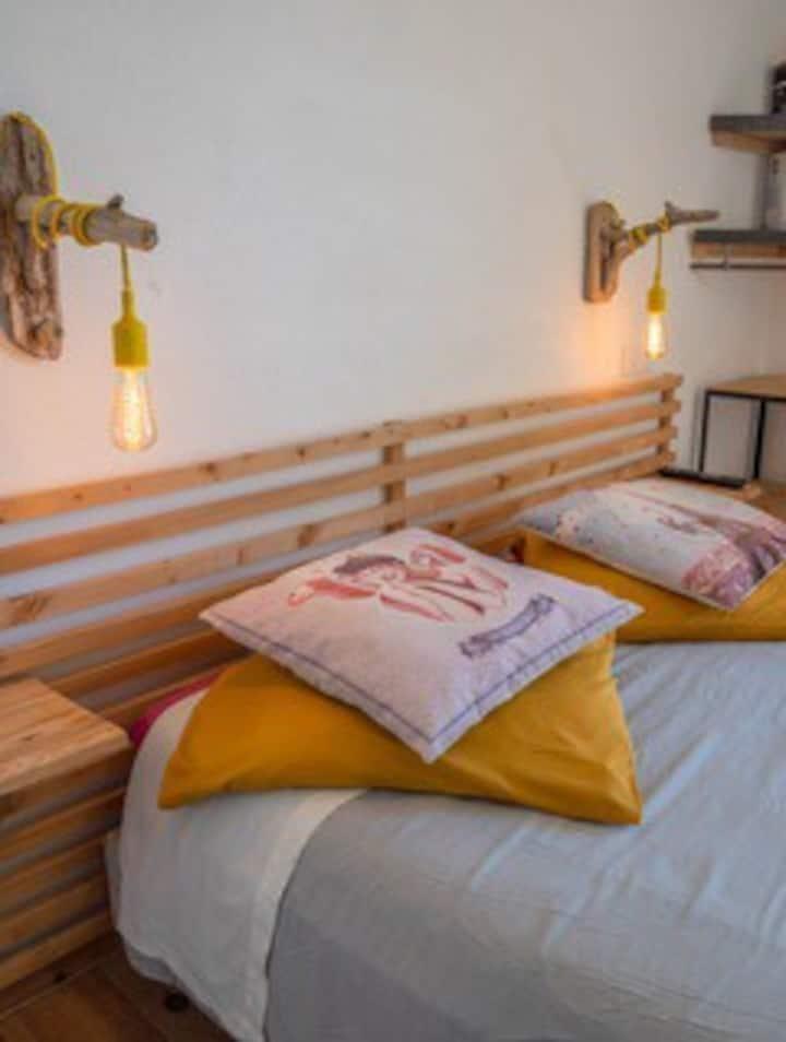 Jolie chambre accès direct plage hôtel l'escale