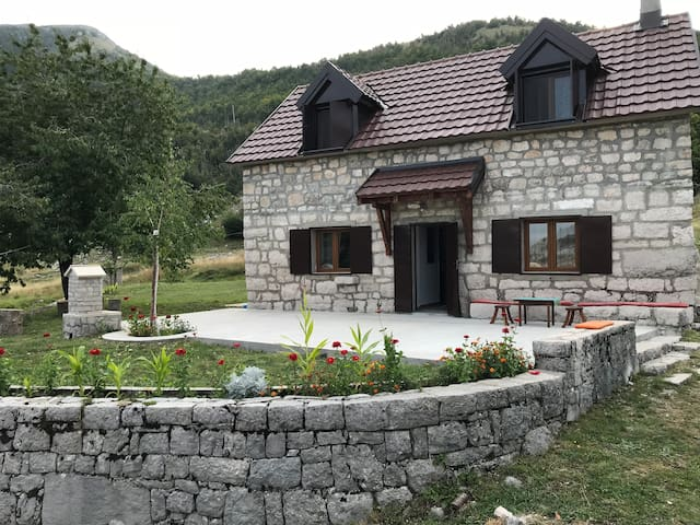 Lovcen, Nacionalni park, Holiday home