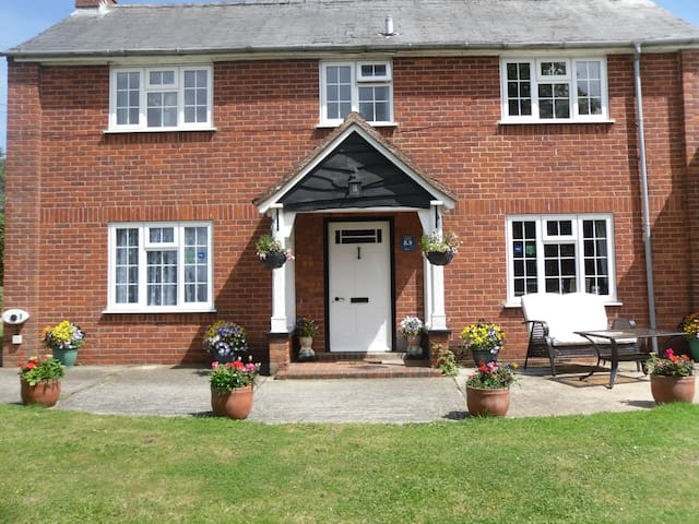 The Farmhouse Bed and Breakfast - Suffolk - Wikt i opierunek