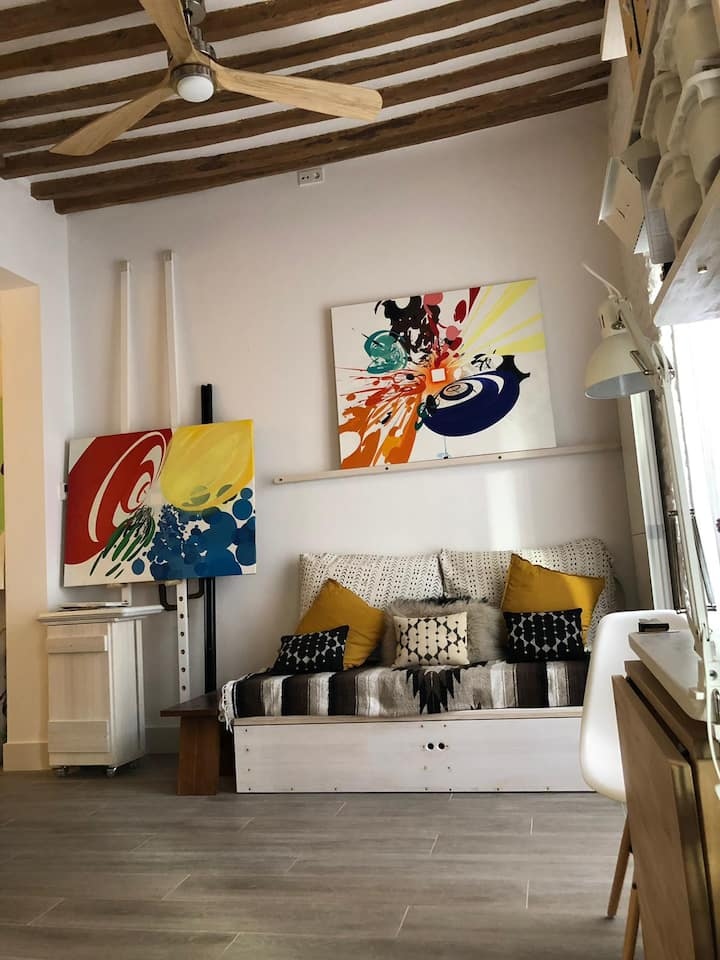 Unique Artist Loft in Lavapies-Madrid's Heart