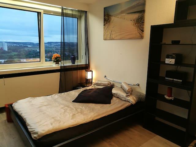 Vollausgestattetes 1Zimmer Apartment im SI-Centrum