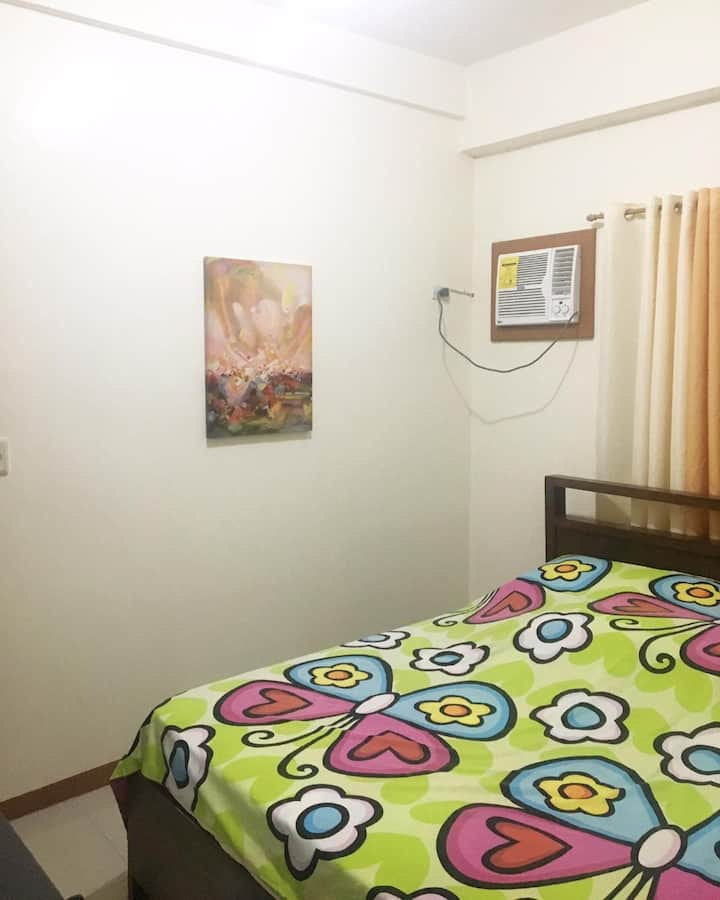 Affordable Room in the Heart of the City