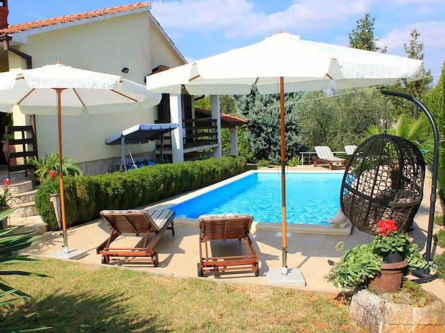 Villa Villanovizza in Barban with pool