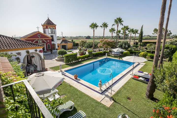 Casa de campo con piscina sevilla cottages for rent in for Piscina ciudad jardin sevilla