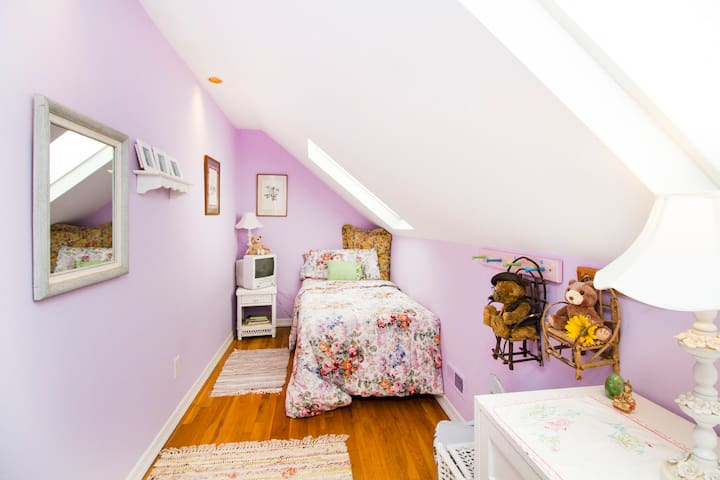 Rear Bedroom #3