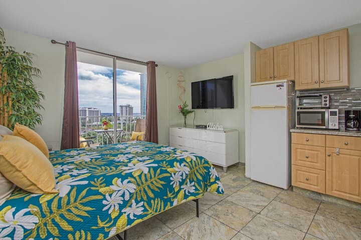 IP11-Waikiki*Park and Ocean Views*Lanai*Walk2beach