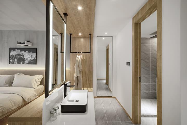 【迷津旅行酒店】浴缸影院天窗大床/宽窄巷子