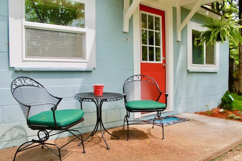 Teacup Inn TC! Rate of $175/day NEVER INCREASES!