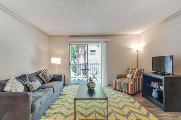 Buckhead/Roswell One Bedroom Cozy and Comfortable.