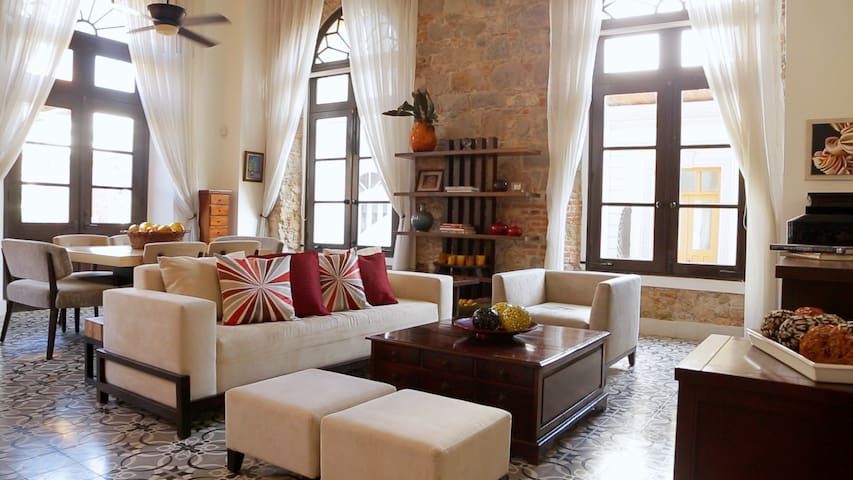 Spectacular Old Town Apartment - Panamá - Daire