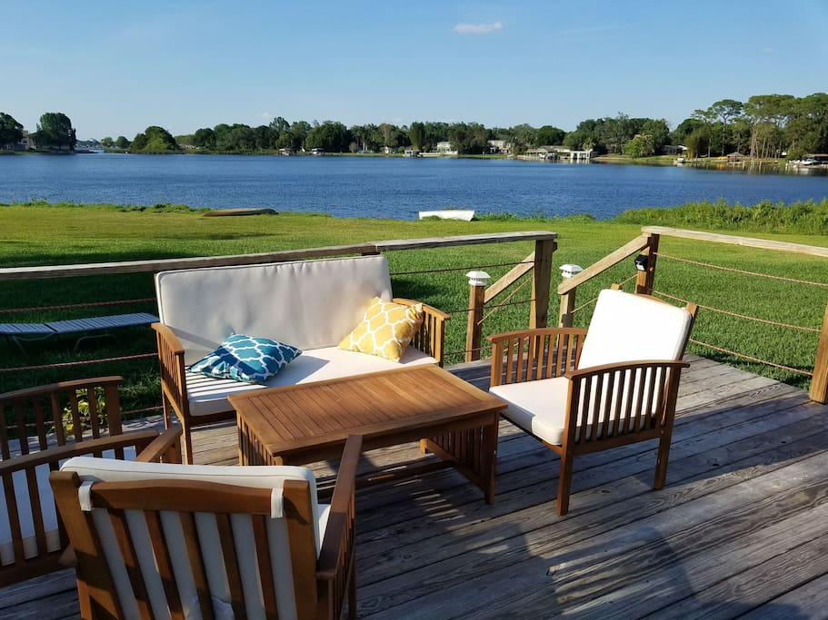 the tiny lake house tiny houses for rent in orlando florida united states. Black Bedroom Furniture Sets. Home Design Ideas