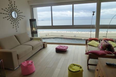 Bel appartement face à la mer dans Domaine Privé - แบนดอล - อพาร์ทเมนท์