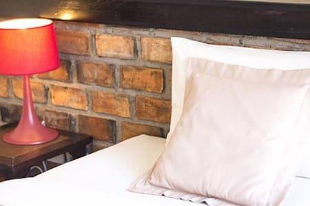 Twin Bed Room Free Breakfast - Bed & Breakfast
