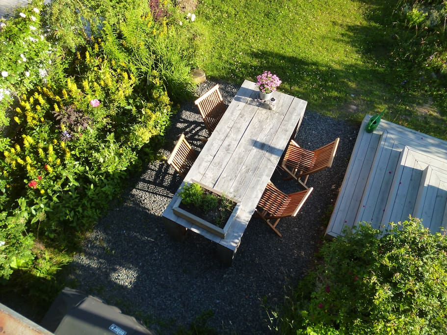 Picture taken from the small balcony in parents bedroom