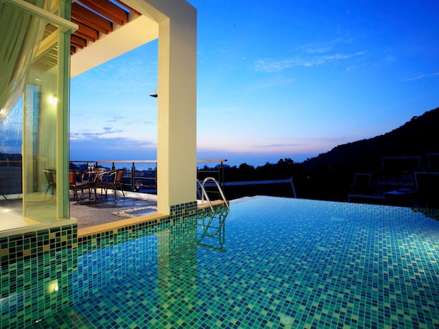 4 Bedroom Modern Sea View Villa with Private Pool & Chef