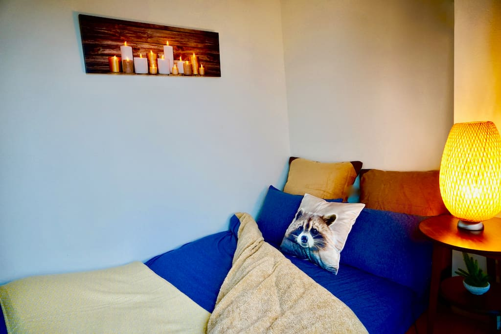 The bed semi-double size 120cm x 195cm