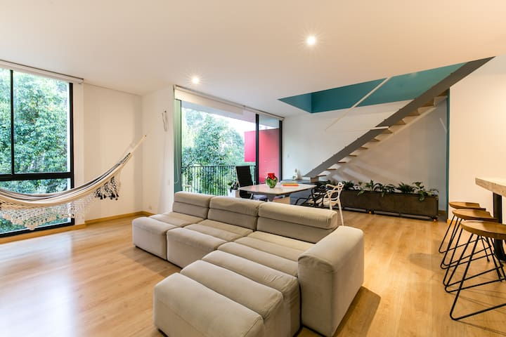 Choice of Hammock or couch whatever your in the mood for.