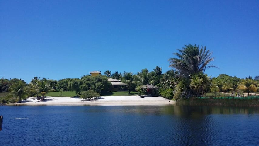 Casa a beira lago - surpreendente - Porto de Sauipe - Dům