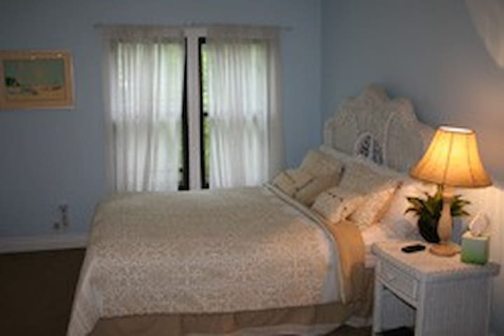 Duneland Beach Inn Beach Glass - Michigan City - Bed & Breakfast