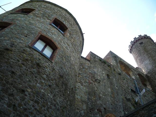 Il teatro del castello Malaspina - Fosdinovo - Lägenhet