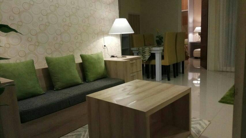 Villa Tirtasari (cozy 2 floor house for families)