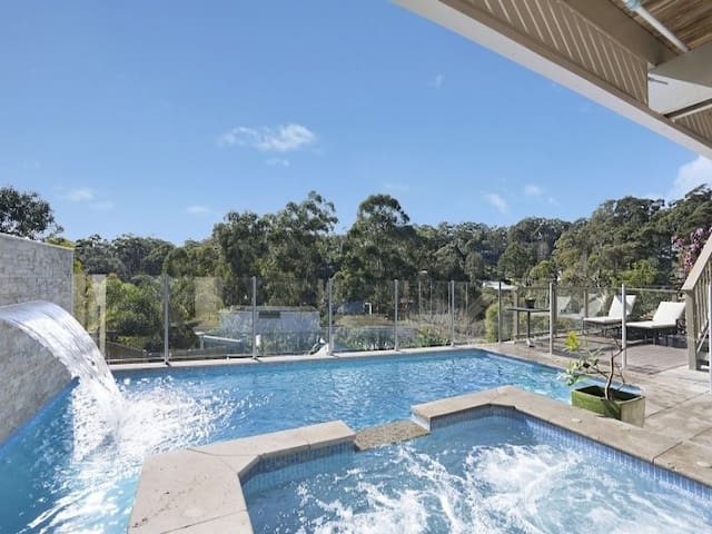 POOL & SPA Retreat *1 SOL* in Avoca Beach