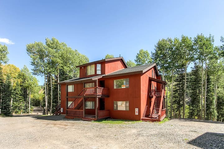 Enjoyable 2BR Beaver Condo w/ View - Beaver
