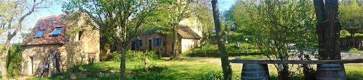 2 maisons écologiques dans un hameau privé
