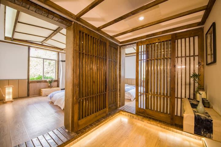 丽江 古城 两室一厅日式雅居套房 3晚免接机 可停车可做饭