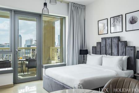 LUX   Executive Studio in Burj Khalifa District