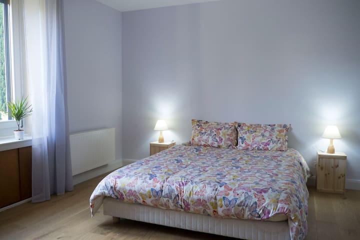 Le Liseron, Appartement lumineux en rez de jardin
