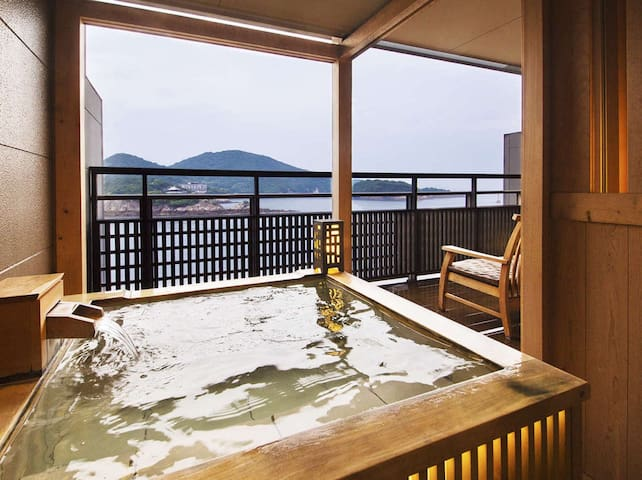 Wide View Twin Room with Open-Air Bath/ 鞆の浦温泉の旅館[Dinner and breakfast included]
