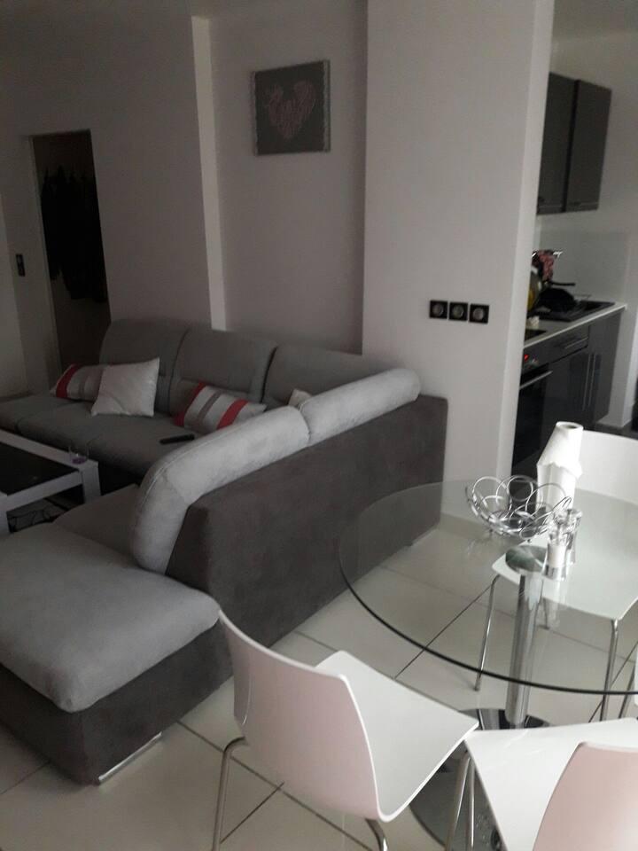 Appartement dans residence calme à 20min de Paris.
