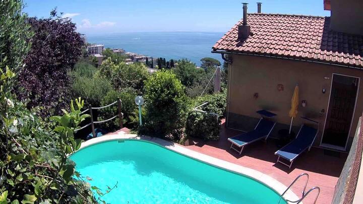 Villetta indipendente-piscina e giardino privati