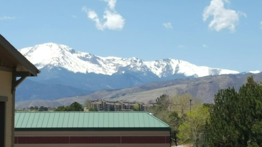 Awesome Pikes Peak Views!! - Colorado Springs - Appartement
