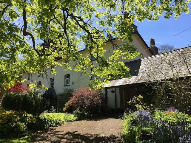 Old Salting Barn-Llandetty Self Catering Annexe