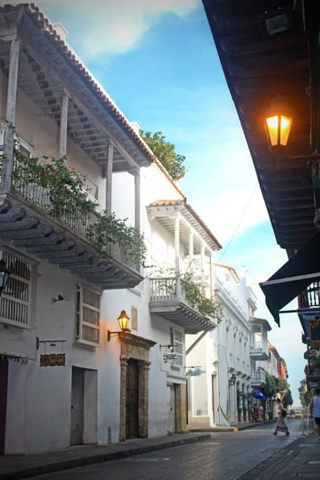 Calle Santos de piedra/ Santos de piedra street