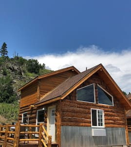 Big Mountain Cabins - Cabin #5 - Sleeps 2 to 6