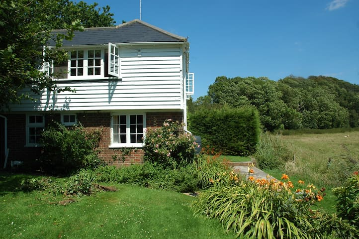 Beautiful Sussex Holiday Beach Cottage - East Sussex - Hus