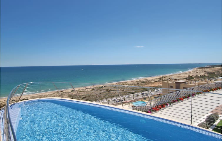 Holiday apartment with 2 bedrooms on 66m² in Elche