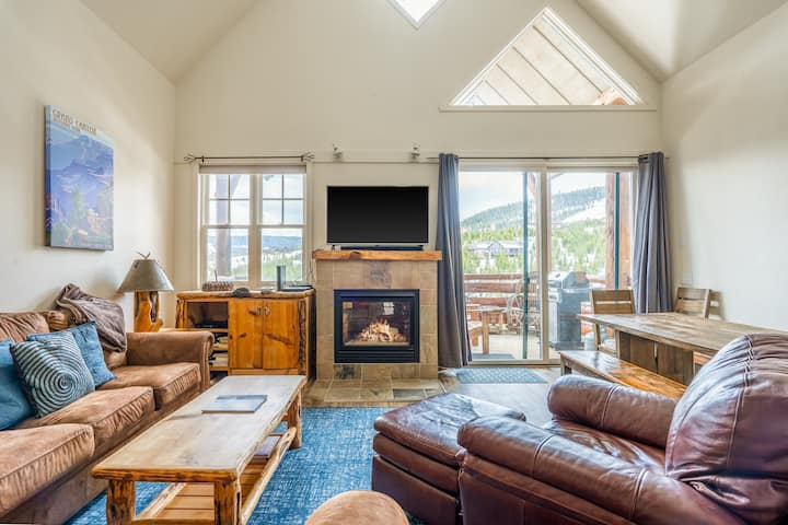 Dog-friendly ski-in/out townhome w/ private hot tub & shared pool