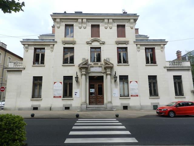Chambre n°34 - Mazamet - Appartement
